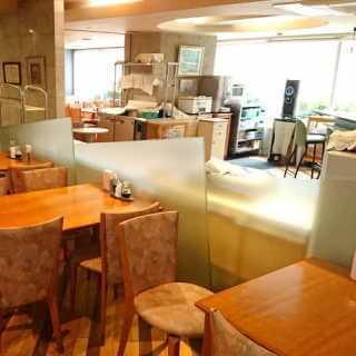 ミールズ江坂-食堂